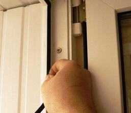 Замена уплотнителя в пластиковых окнах, балконной и входной .